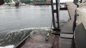 20170423 112216 - Kazungula ferry maakt water