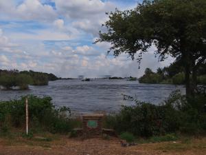 P4216830 - Victoria watervallen (achtergrond)