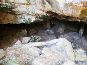 P5047875 - Zuidelijke ingang Gcwihaba Cave