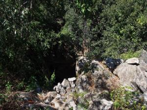 P5047898 - Noordelijke ingang Gcwihaba Cave