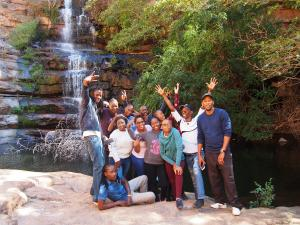 P5250422 - Groepsfoto in Moremi Gorge