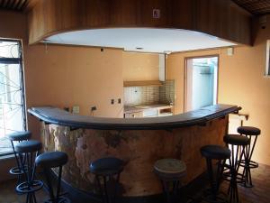 P6030537 - Vervallen restaurant, Daan Viljoen GR