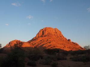 P6060975 - Spitzkoppe bij zonsopkomst