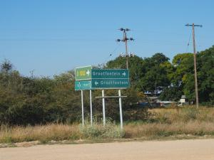 P6101313 - Erg nuttig bord, Grootfontein