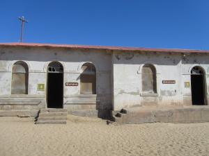 IMG 0788 - IJsfabriek en slager Kolmanskop